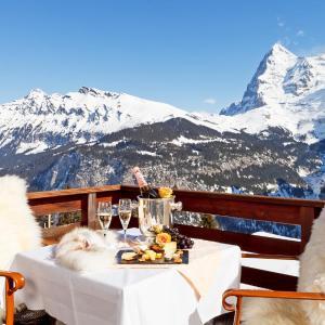 Hotel Pictures: Eiger Swiss Quality Hotel, Mürren