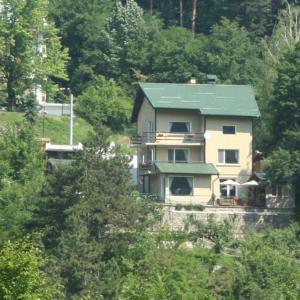 Foto Hotel: Rila Guest House, Kostenets