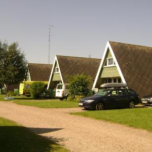 Hotel Pictures: Storkesøen Ribe Holiday Cottages and Apartments, Ribe