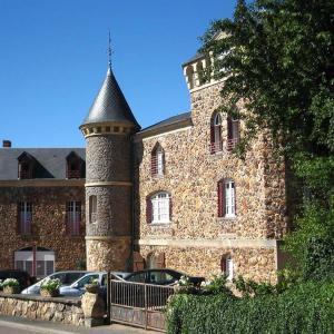 Hotel Pictures: Gîtes Castel des Cèdres, Saint-Honoré-les-Bains
