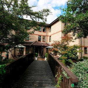 Hotel Pictures: Riverside House, Cirencester