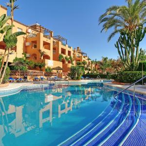 Hotel Pictures: Muthu Grangefield Oasis Club, La Cala de Mijas