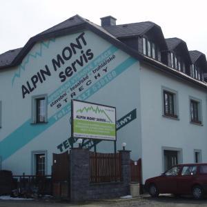 Hotel Pictures: Alpin Mont Servis, Pozorká