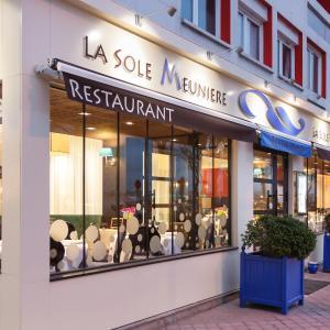 Hotel Pictures: Hôtel Restaurant La Sole Meunière, Calais