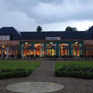 Hotel Pictures: Mercure Warwickshire Walton Hall Hotel & Spa, Wellesbourne Hastings