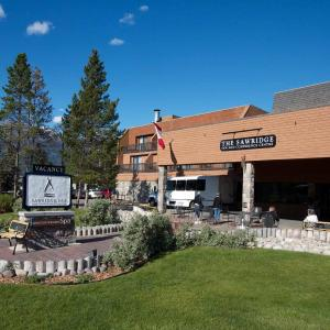 Hotel Pictures: Sawridge Inn & Conference Centre Jasper, Jasper