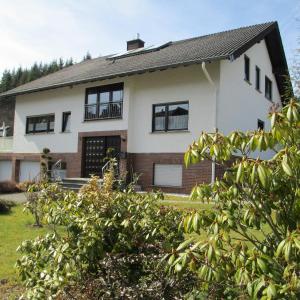 Hotelbilleder: Ferienwohnung-Lind, Wimbach