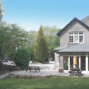 Hotel Pictures: Woodlands Hotel & Pine Lodges, Grange Over Sands