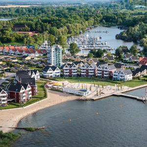 Hotel Pictures: Kuhnle-Tours Hafendorf Müritz, Rechlin