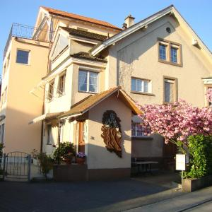Hotel Pictures: Niros Bed & Breakfast, Basel