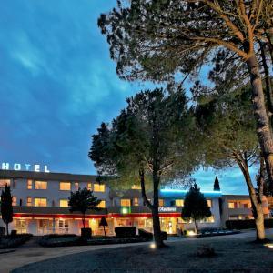 Hotel Pictures: L'Aquitaine - Cahors Sud, L'Hospitalet