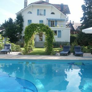 Hotel Pictures: Villa Sanluca, Nyon