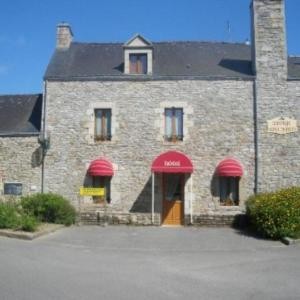 Hotel Pictures: Auberge Saint Hernin, Pluherlin