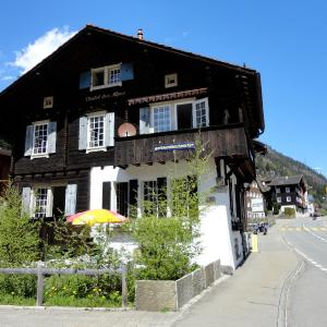 Hotel Pictures: Gotthard Backpacker, Wassen