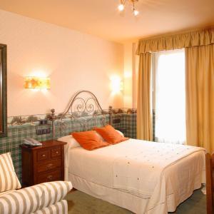Hotel Pictures: Hotel Avenida Real, Villaviciosa