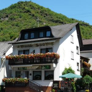 Hotelbilleder: Pension / Ferienwohnungen Scheid, Kestert