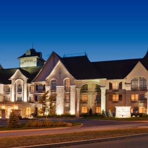 Hotel Pictures: Le St-Martin Bromont Hotel & Suites, Bromont