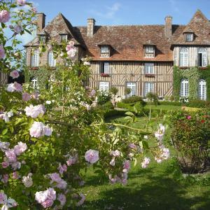 Hotel Pictures: Manoir du Lieu Rocher, Vieux-Pont-En-Auge