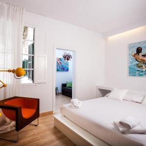 Hotel Pictures: Cheap & Chic Hotel, Ciutadella