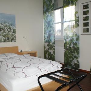 Hotel Pictures: Gästehaus Alte Schule, Hofheim am Taunus