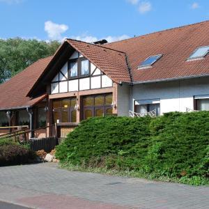 Hotel Pictures: Hotel am Steinertsee - Kassel-Ost, Kaufungen
