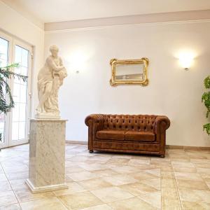 Hotel Pictures: Wellness Hotel Svoboda, Rakovník