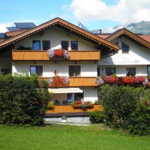 Hotel Pictures: Ferienwohnung Zillertal, Zellberg