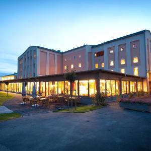 酒店图片: JUFA Weinviertel Hotel in der Eselsmühle, Seefeld-Kadolz