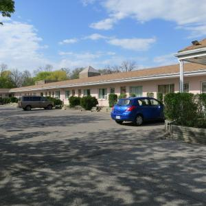 Hotel Pictures: Clarkson Village Motel, Mississauga