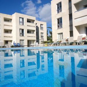 Hotel Pictures: Daphne Hotel Apartments, Paphos City
