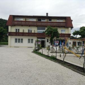 Hotel Pictures: Hotel Hudelist, Krumpendorf am Wörthersee