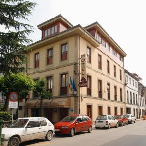 Hotel Pictures: Hotel Restaurante El Manquin, Villaviciosa