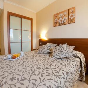 Hotel Pictures: Torrijos, Cheste