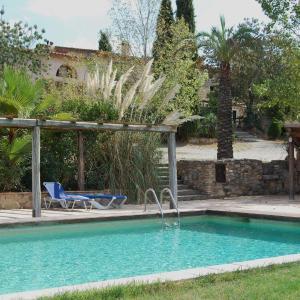 Hotel Pictures: Granja Ecuestre Can Sort, Báscara