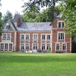 Hotel Pictures: Chambres d'Hotes Spa Château d'Omiécourt, Omiécourt