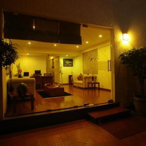 Hotellikuvia: juSTa Off MG Road, Bangalore