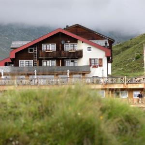 Hotel Pictures: Hamilton Lodge & Spa, Belalp