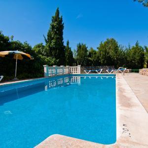 Hotel Pictures: Villa Can Cala de Bou, San Antonio Bay