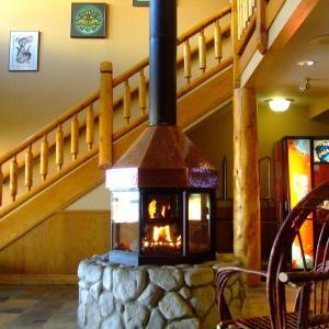 Hotel Pictures: The Yukon Inn, Whitehorse
