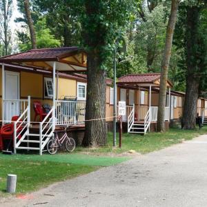 Hotel Pictures: Camping Fuentes Blancas, Burgos