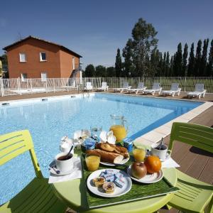 Hotel Pictures: Vacancéole - Domaine du Green, Rivières