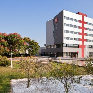 Hotel Pictures: Ibis Ripollet, Ripollet