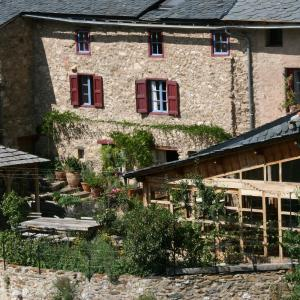 Hotel Pictures: Chambres d'Hôtes Cal Miquel, Llo