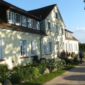 Hotel Pictures: Hotel Gutshaus Kajahn, Gustow