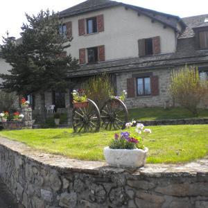 Hotel Pictures: Hôtel La Randonnée, Nasbinals