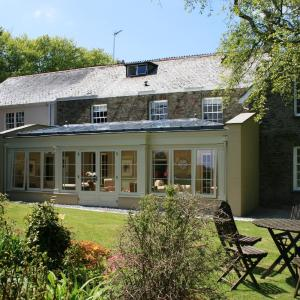 Hotel Pictures: The Old Rectory Boutique Country House Hotel, Martinhoe