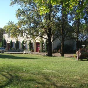 Hotel Pictures: Manoir La Betoulle, Saint-Claud