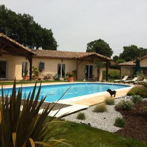 Hotel Pictures: Chambres d'Hôtes Le Clos Castel, Casteljaloux