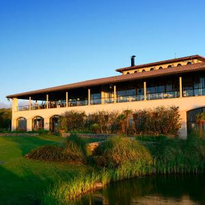 Hotel Pictures: Apartamentos Club de Golf Bonmont, Miami Platja