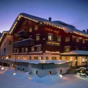 Hotel Pictures: Adler Damüls Gasthof Hotel, Damuls